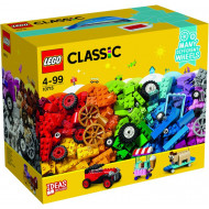 LEGO Classic Bricks on a Roll (10715)